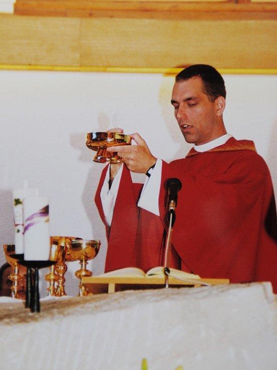 Jeroným Filip Hofmann v sedmadvaceti letech vstoupil do kláštera a později se stal knězem.