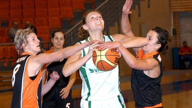 Křídlo Valosunu Veronika Poláková končí s basketbalem, chce se věnovat kariéře v práci
