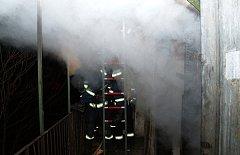 Požár  v Příční ulici v Zábrdovicích si vyžádal evakuaci šestnácti lidí