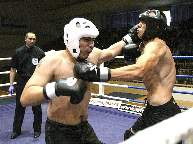 Amaterské mistrovství České republiky Windy Cup v muay thai a MMA v hale ve Vodově ulici v Brně.