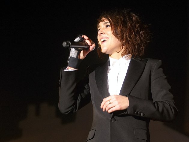 Francouzská zpěvačka Zaz v brněnské DRFG Areně.