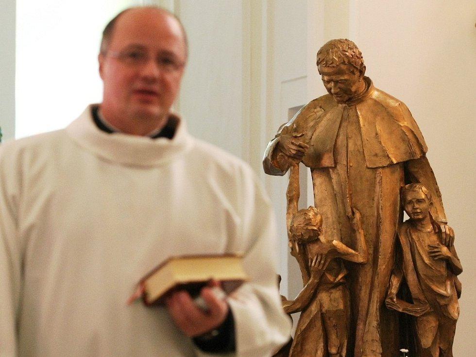 Ostatky světce Dona Bosca dorazily do salesiánského kostela svatého Jiljí v brněnské Líšni.