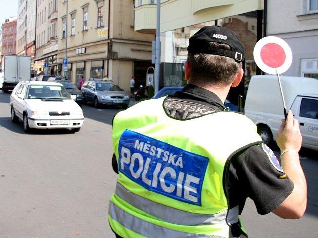 Městská policie důkladně kontroluje ridiče v centru Brna