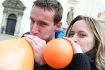 Balonkový happening v centru Brna.