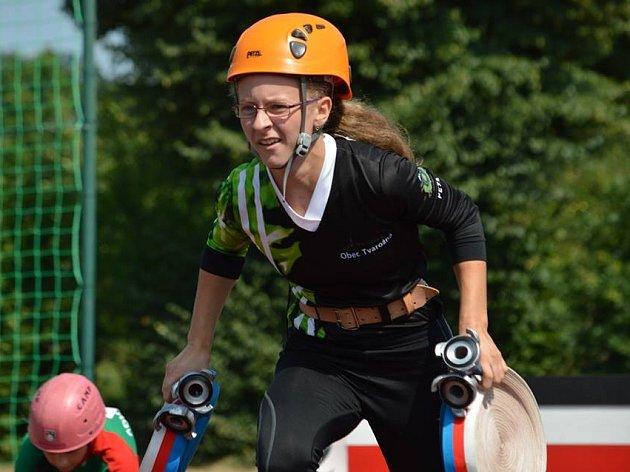 Třináctiletá Petra Machancová odmalička vyrůstala v hasičské rodině v Tvarožné a účastnila se lokálních závodů. Později ji v jedenácti letech zaujala reprezentace. A uspěla.