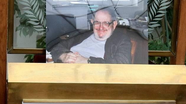 Poslední rozloučení s publicistou, literárním kritikem, prozaikem a signatářem Charty 77 Janem Trefulkou v Brně.