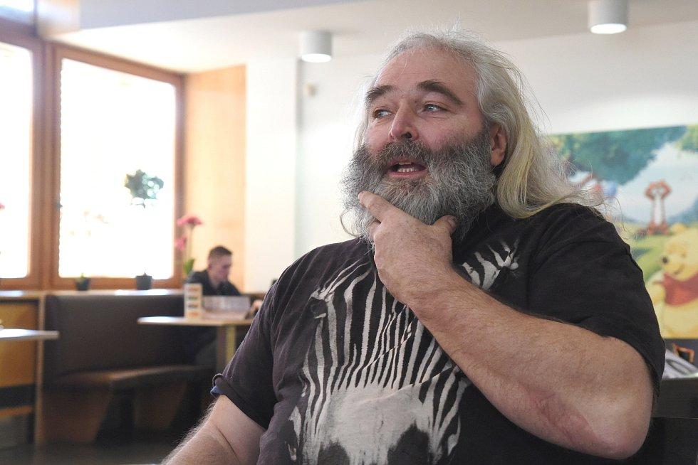 Rozhovor na konci týdne s Milanem Pálešem, majitem vydavatelství Indies