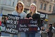 Studenti v pátek dopoledne stávkovali na brněnském Dominikánském náměstí. Za lepší klima.