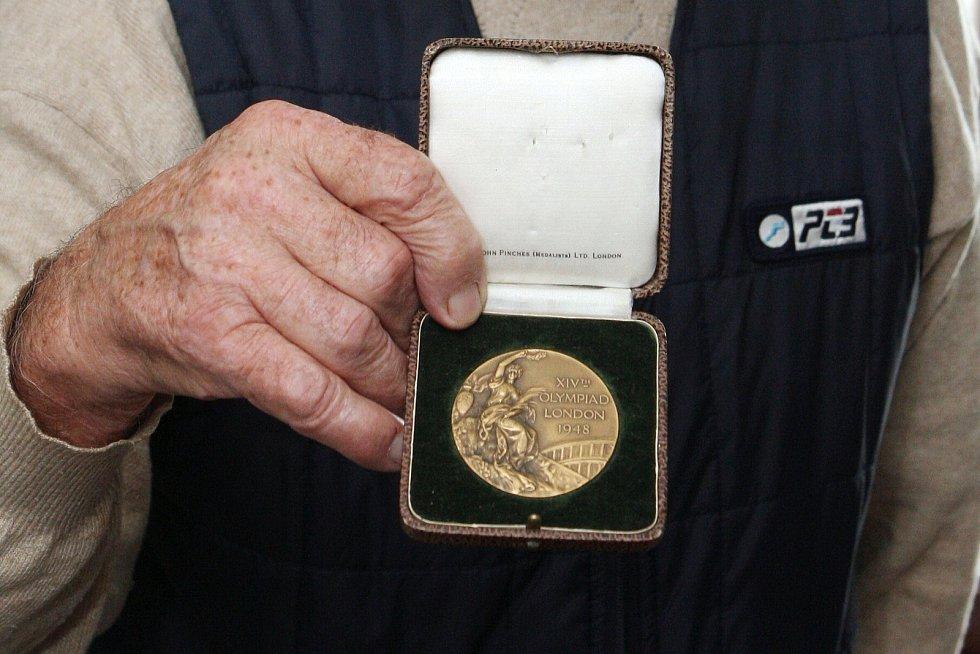 Zdeněk Růžička s medailí.
