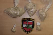 Kriminalisté našli při domovní prohlídce téměř dvě stě gramů drogy.