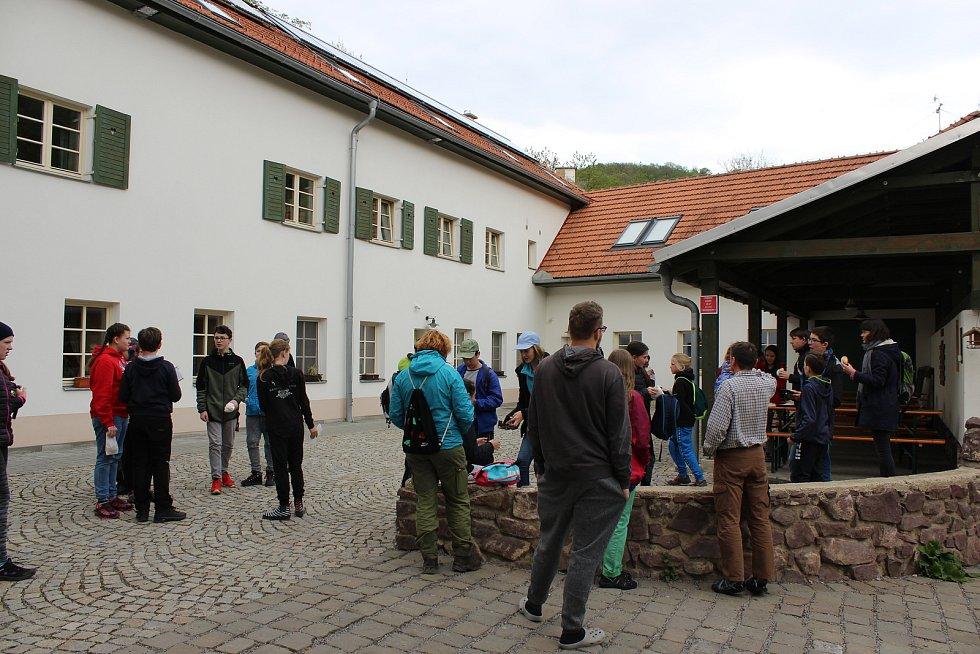 Návštěvníky na mlýně tvoří například školní skupiny, které jezdí na ekologické programy. Přijíždí ale i skauti na výpravy nebo studenti ze zahraničních univerzit.