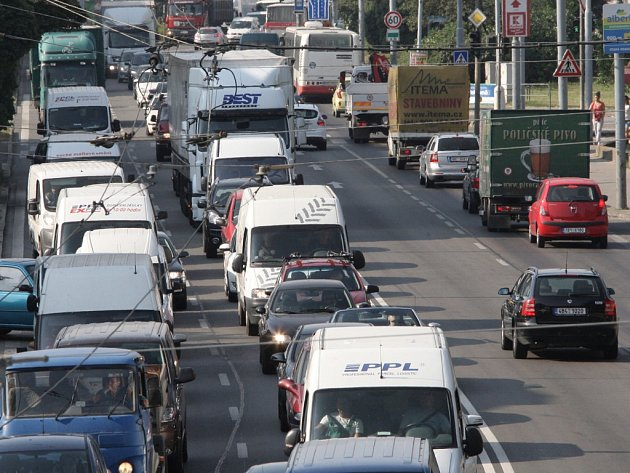 Trpělivostí se musí obrnit lidé, kteří projíždějí brněnským Velkým městským okruhem. Od dnešního dne začala jeho částečná uzavírka.