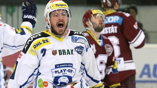 Brněnští hokejisté ve čtvrtém semifinále podlehli Spartě 3:5. Před pátým zápasem v Praze je stav sérii 2:2