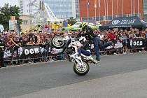 Na brněnském výstavišti předvádělo v sobotu akrobatické kousky na motorce hned několik jezdců. Návštěvníci si užili také koncert slovenského rapera Ega.