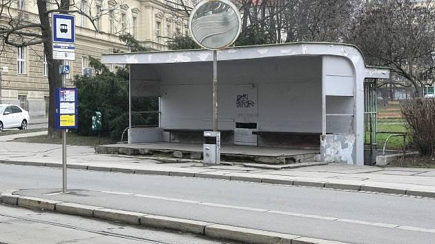 Současná tramvajová zastávka na obilním trhu.