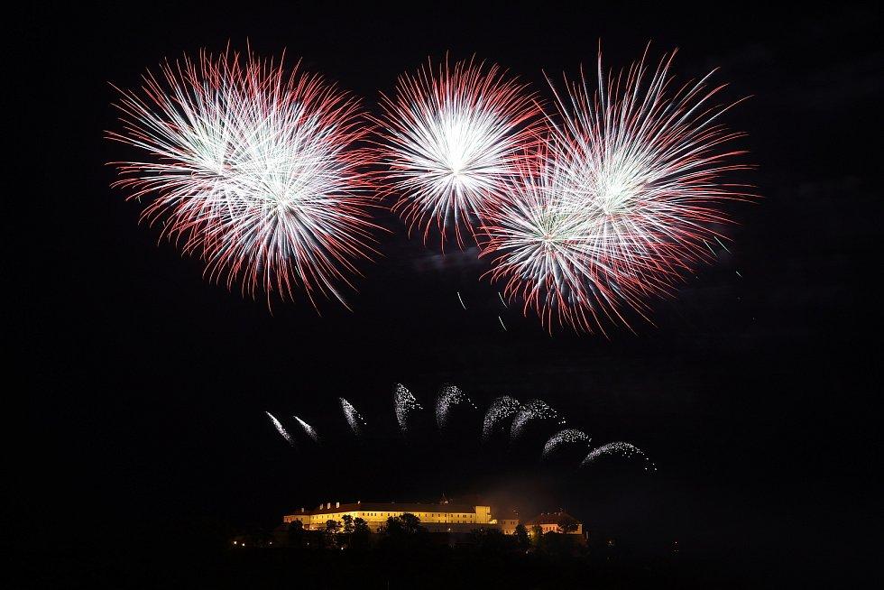 Brno 15.6.2019 - Ignis Brunensis - závěrečný ohňostroj z hradu Špilberk