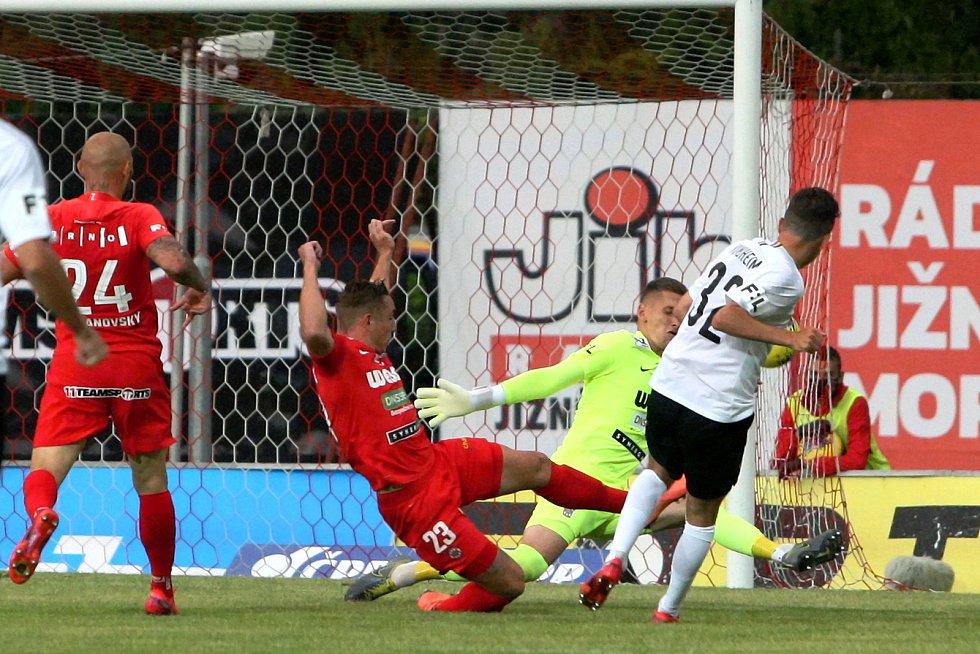 22.8.2020 - domácí FC Zbrojovka Brno v červeném proti AC Sparta Praha