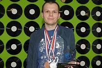 Dvaadvacetiletý Jakub Ondroušek je bronzový mistr světa v luštění sudoku.