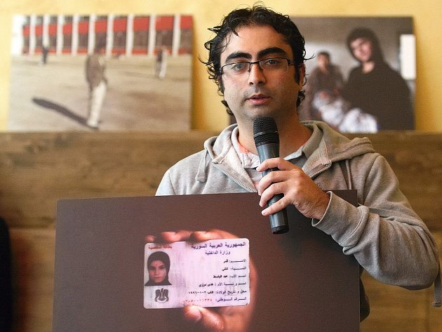 Program zahájila beseda s dobrovolníky v Maďarsku a Srbsku, herci divadla Feste zahráli hru Chlast a účastníci diskutovali o situaci v uprchlických táborech. Zapojil se například i Syřan žijící v Brně Ibrahim Nahhas.