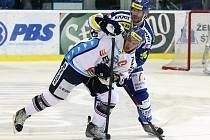 Kometa Brno (v modrém) vs. Vítkovice.