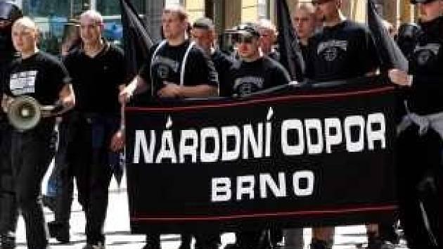 Politici, aktivisté i Brňané se sejdou na protest proti srazu neonacistů.