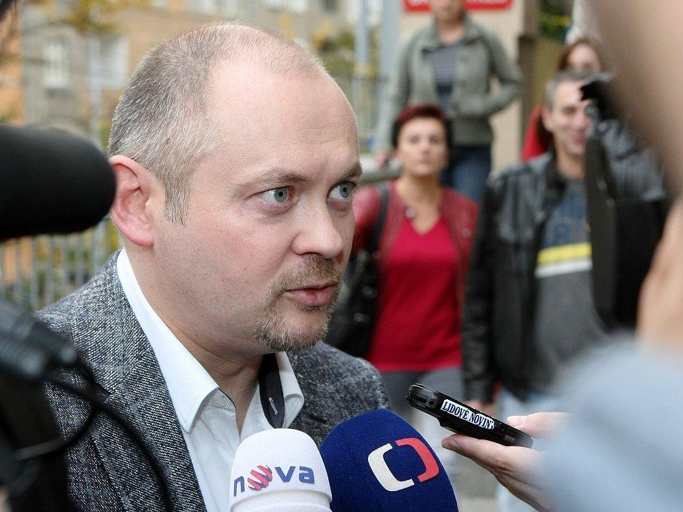 Mezi prvními odvolili hejtman Jihomoravského kraje Michal Hašek.