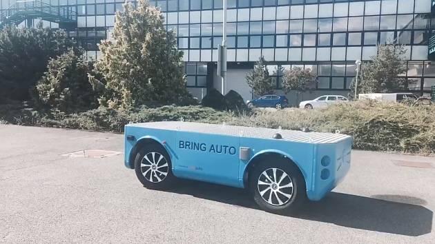 Autonomní vozidlo vymysleli, vyrobili a naprogramovali absolventi brněnské techniky.