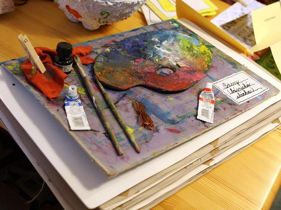 Knihy všech možných velikostí, tvarů a barev se ucházely o vítězství v sedmém ročníku soutěže s názvem Moje veličenstvo kniha.