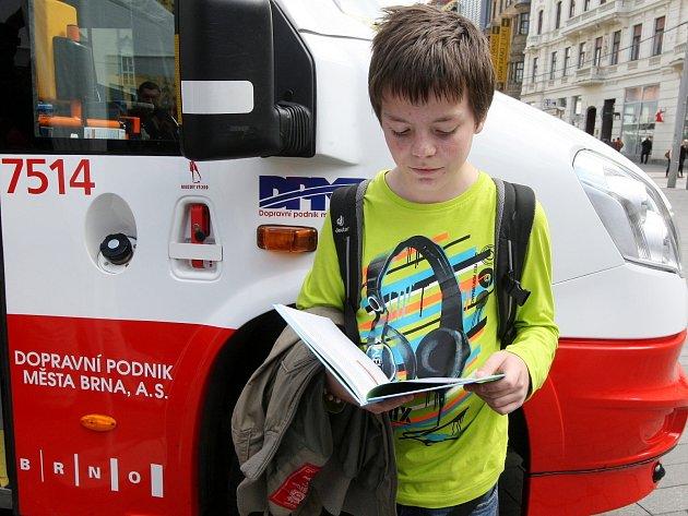 Křest knihy pro děti při příležitosti výročí 145 let Dopravního podniku města Brna.