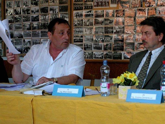 Bývalý starosta Petr Hudlík (vlevo) rozpočet nepodpořil.