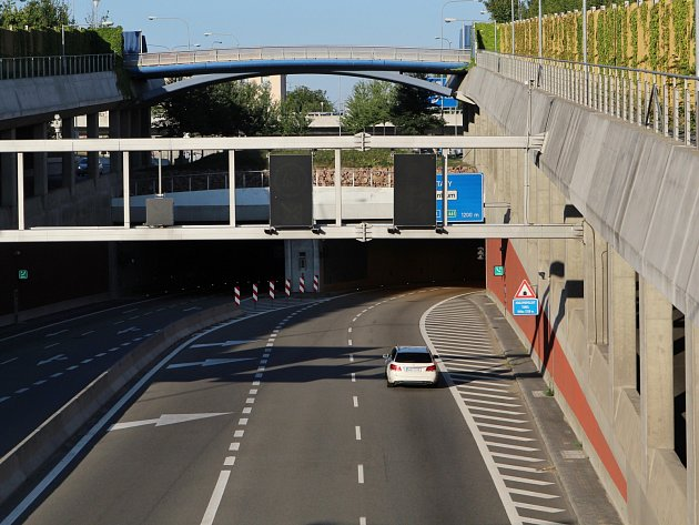 Přesně pět let už jezdí řidiči skrz Královopolské tunely.