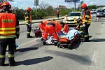 Při nehodě v brněnské Bělohorské ulici se poranil mladý motorkář.