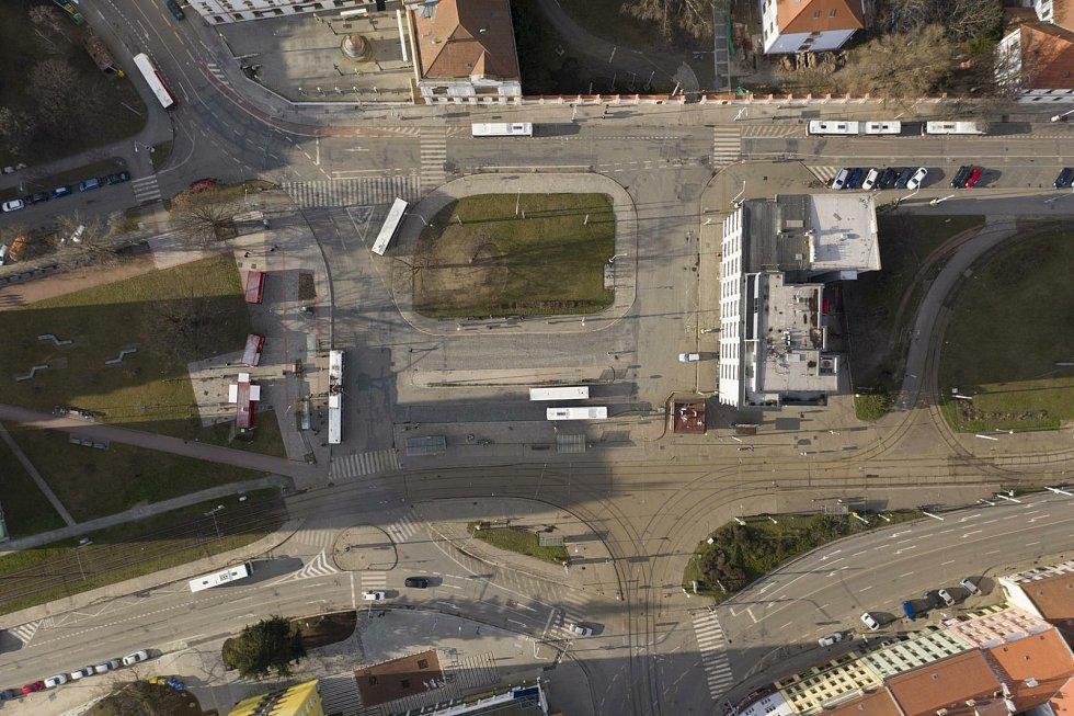 Současný stav Mendlova náměstí v Brně.