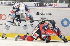 Utkání 35. kola hokejové extraligy: HC Vítkovice Ridera vs. HC Kometa Brno, 30. prosince 2017 v Ostravě. (vlevo) Krejčík Jakub a Roman Ondřej.