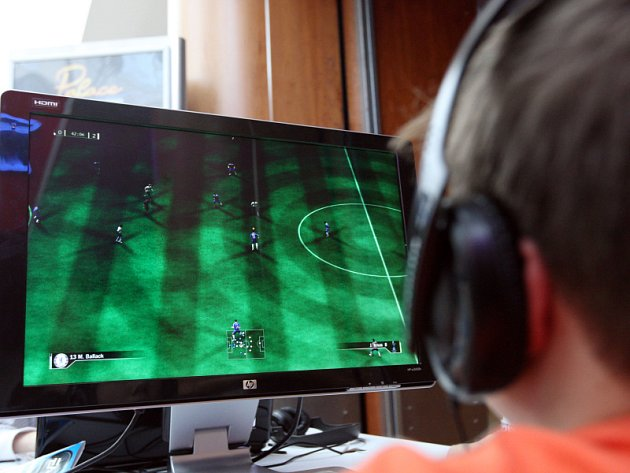 Hráči počítačového fotbalu se utkali v Olympii