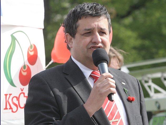 Prvomájové setkání komunistů na Moravském náměstí v Brně.