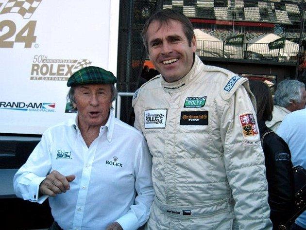Jan Vonka (vpravo) s trojnásobným mistrem světa formule 1 Jackiem Stewartem.
