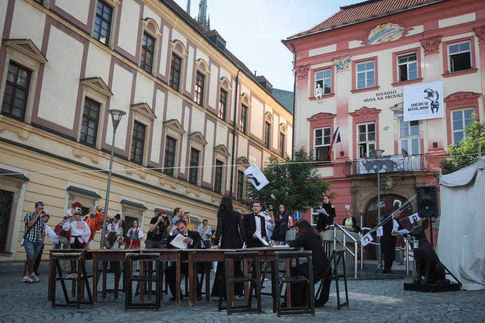 Divadlo Husa na provázku zamířilo se zkouškou představení netradičně do brněnských ulic.