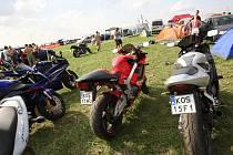 Brněnské kempy zaplnily tisíce motocyklových fanoušků.