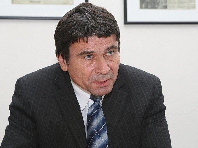Ředitel Gymnázia Matyáše Lercha Petr Kovač.
