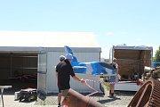 Nad Ivančicemi na Brněnsku v sobotu létaly tři desítky modelů letadel za několik stovek tisíc korun. Podívat se na jejich kousky přišlo okolo tisícovky lidí.