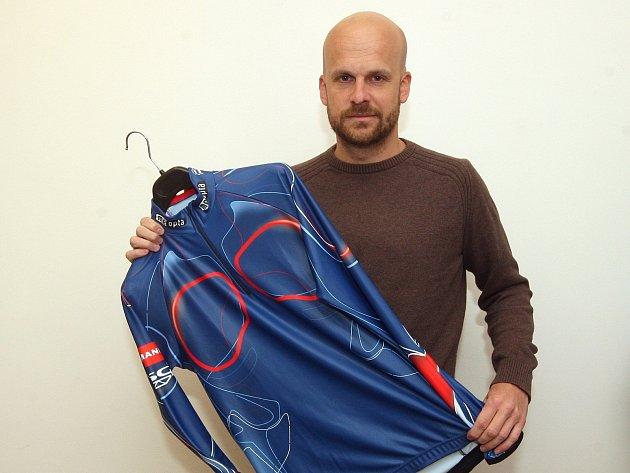 Oldřich Sova, syn majitelů brněnské firmy Atex, která šije dresy například i pro světové biatlonisty.