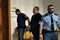 Osmatřicetiletý Vladan Weiss měl podle obžaloby zbít třiatřicetiletého Tunisana.