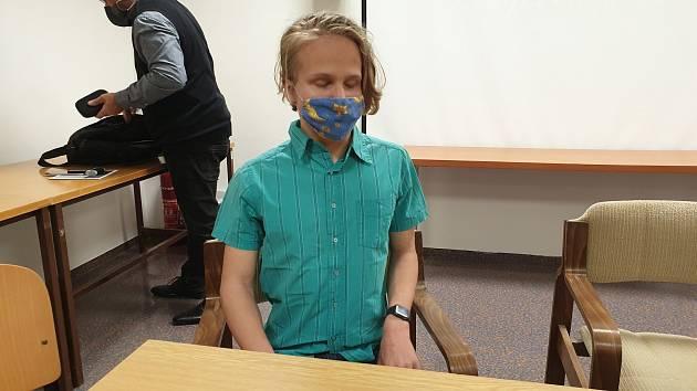 Patnáctiletý nevidomý Benjamin, který k dávkování inzulinu do krve používá mobilní inzulinovou pumpu.