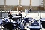 Restaurační zahrádky v Brně zůstanou zhruba tři týdny zavřené. Nájem za ně ale už nemusí dělat vrásky provozovatelům. Zaplatí ho město.