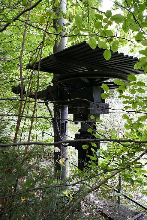 Druhý vlek na Mikulčině vrchu soznačením BLV-0 od firmy Metasport Ostrava byl postaven vroce 1987. Mimo provoz je téměř 10 let. Vlek je vcelé své trase značně zarostlý náletovými dřevinami.