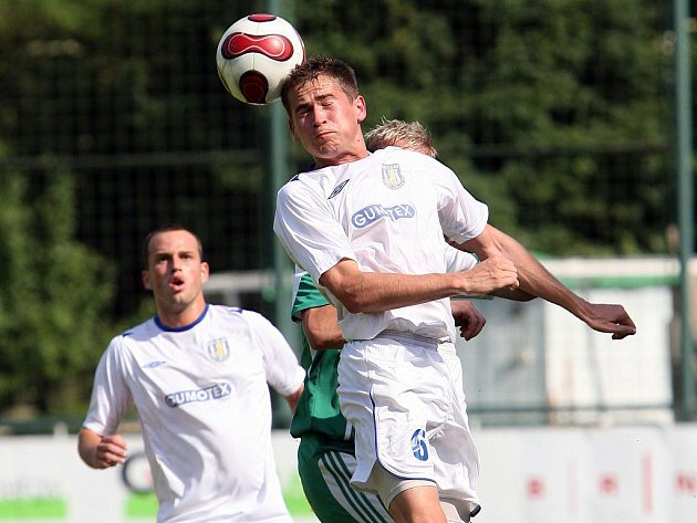 Fotbalisté Bystrce v zápase s Břeclaví.