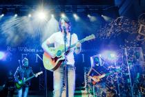 Zpěvák a kytarista Ray Wilson a jeho projekt Genesis Classic.