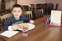 Restaurace La Corrida se pyšní čistým prostředím, výborným jídlem, rychlou a příjemnou obsluhou.