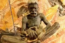 Nová výstava Umění australských domorodců v Pavilonu Anthropos představuje malby na kůře, hudební i kamenné nástroje.